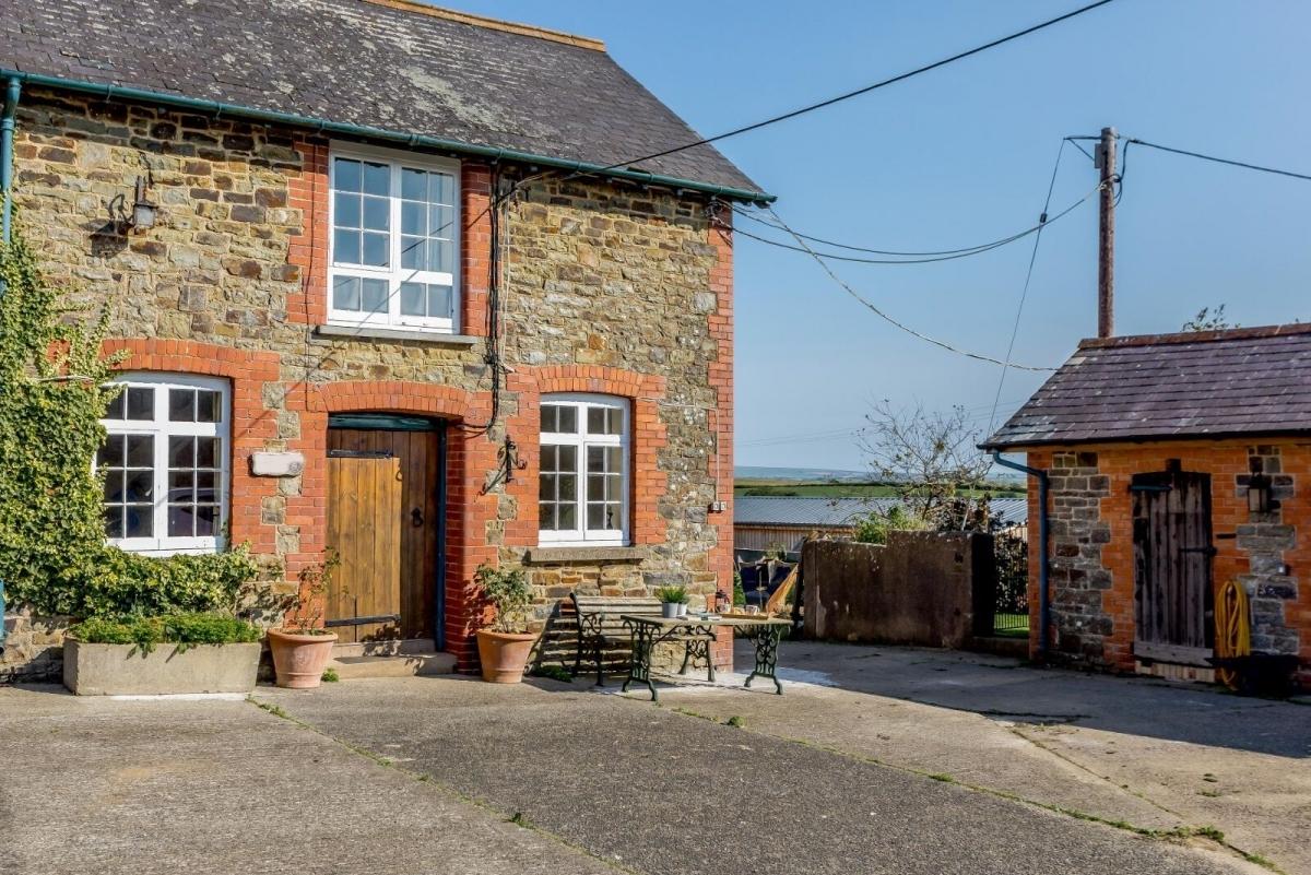 North Devon Holiday Cottage Shire Cottage at Greendown Farm